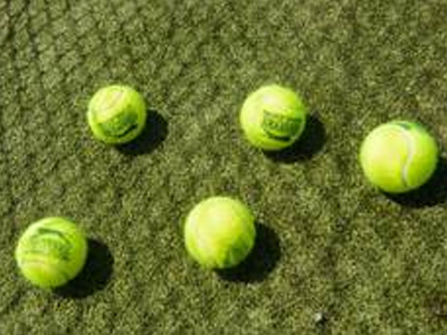 Oplotenia tenisových kurtov a športovísk